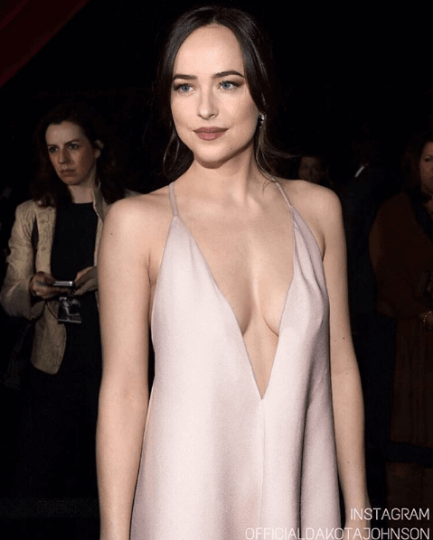 dakota-johnson-hot-cleavage