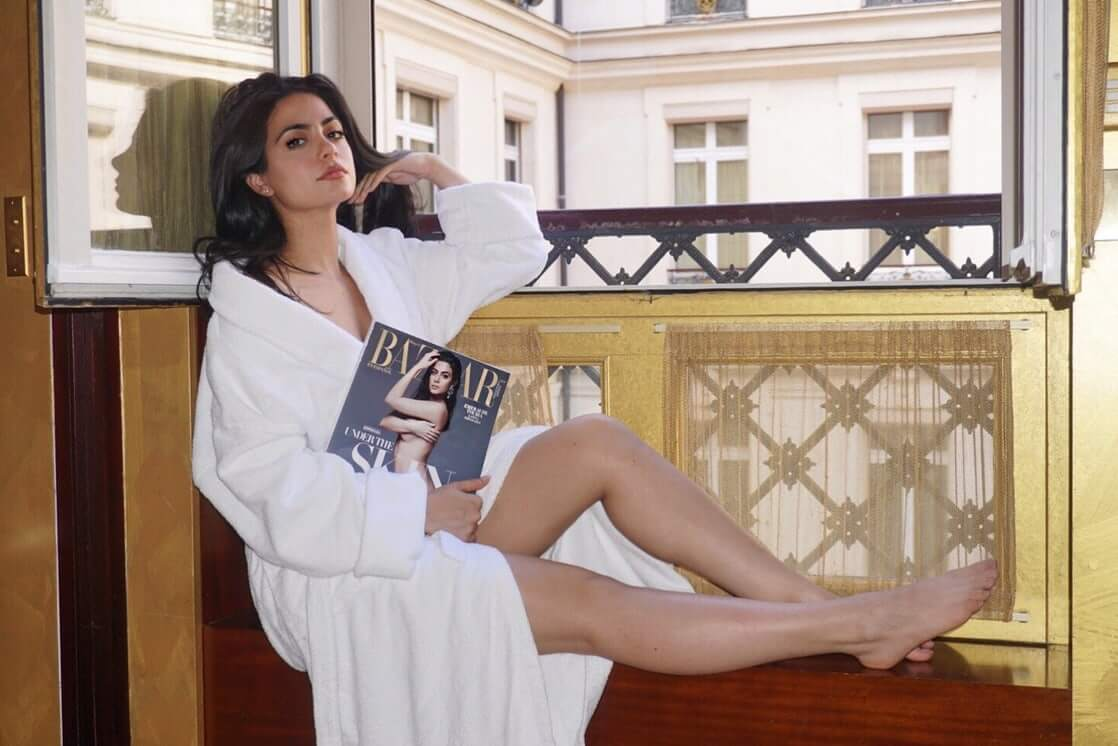 emeraude toubia bare feet