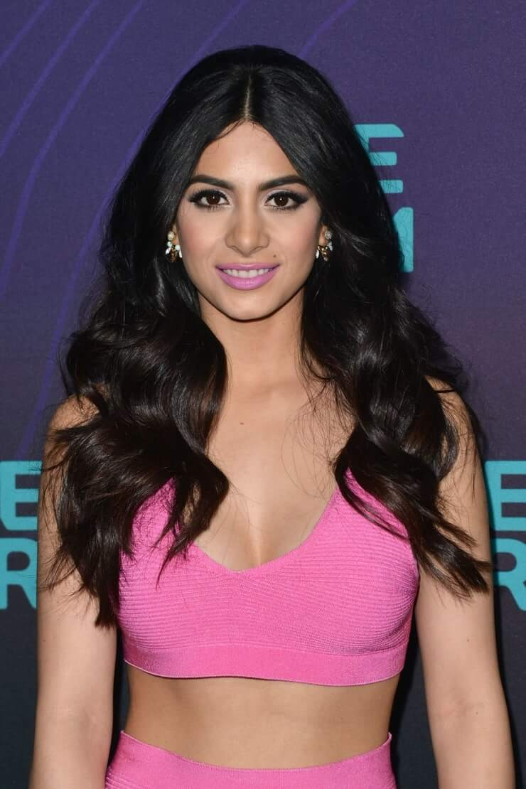 emeraude toubia cleavage photo