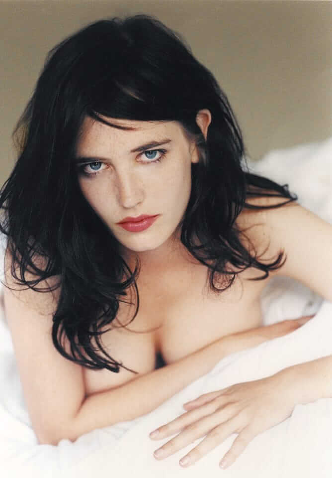 eva-green cleavges