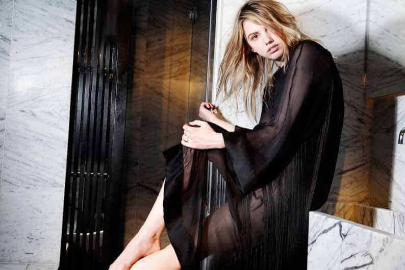 hannah murray long black dress pic