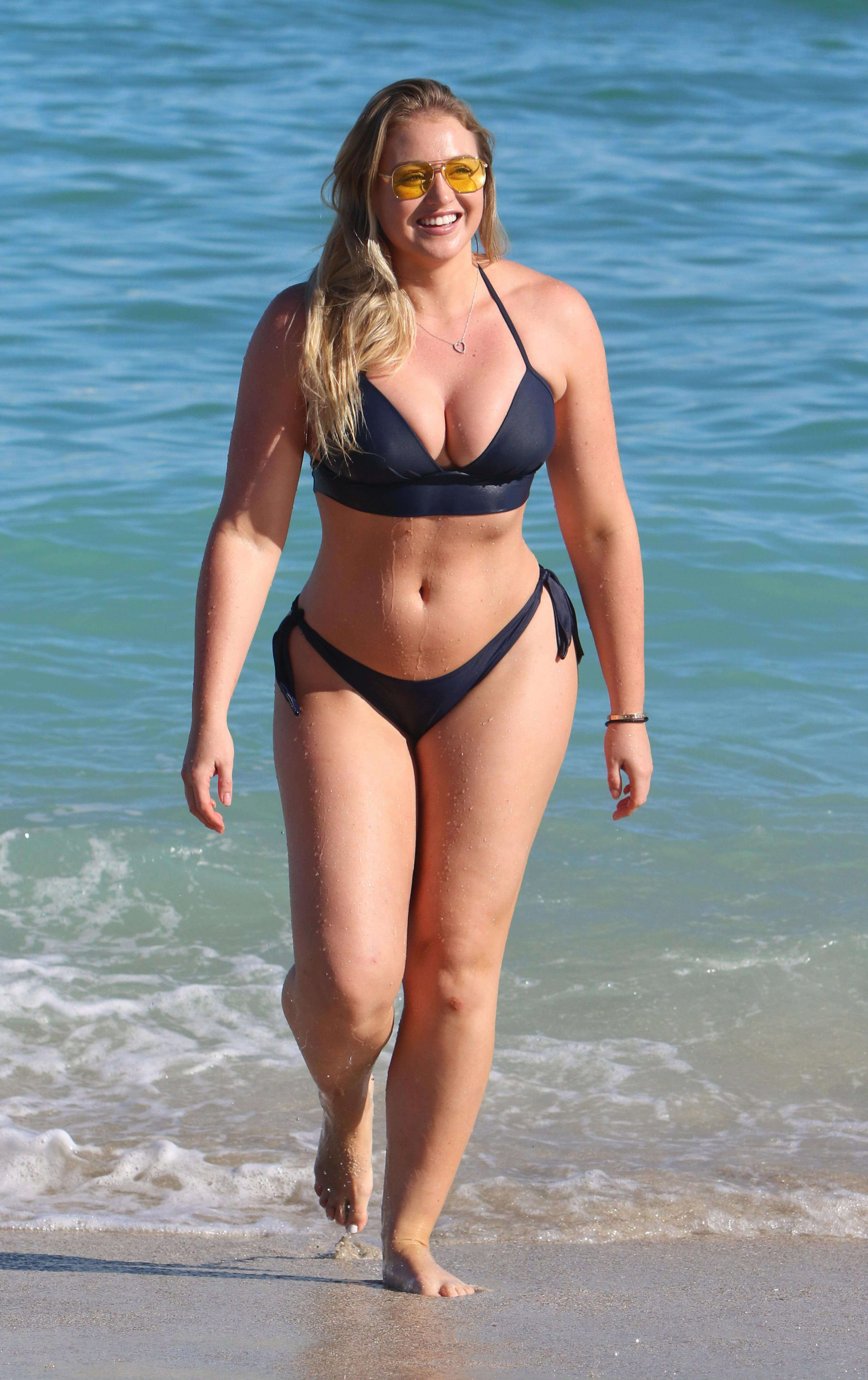 iskra lawrence hot busty photos