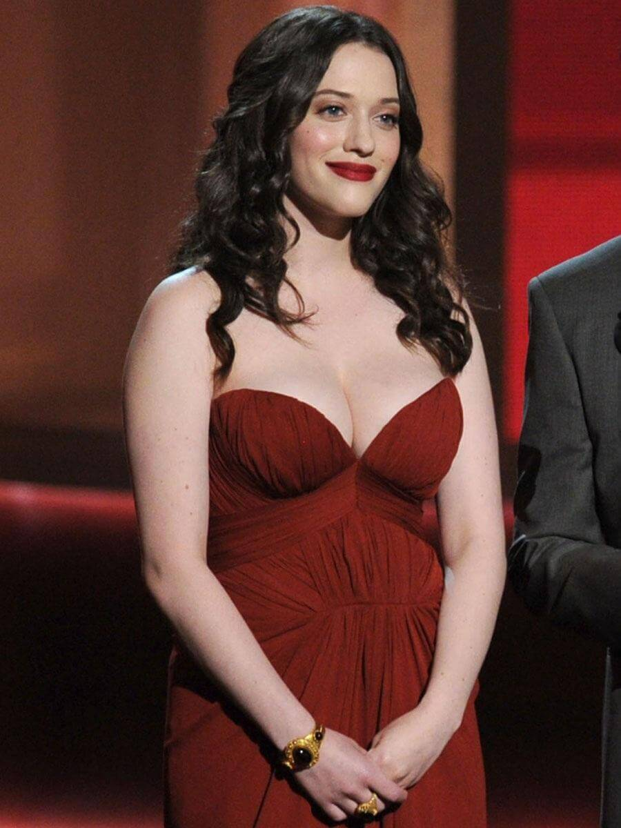 kat dennings red dress pics