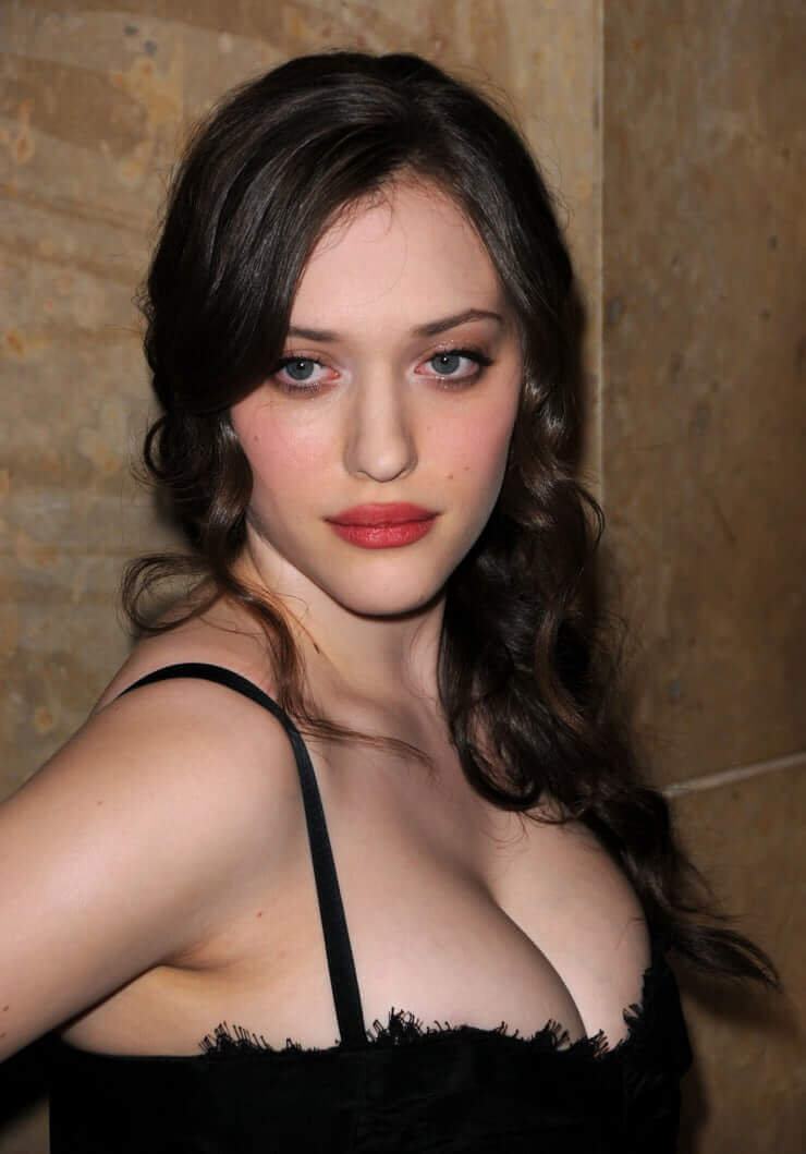 kat dennings sexy cleavage pictures