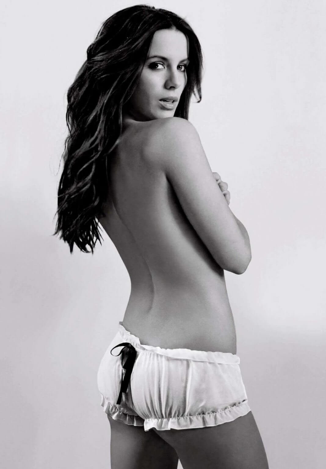 kate-beckinsale-topless-1068x1535