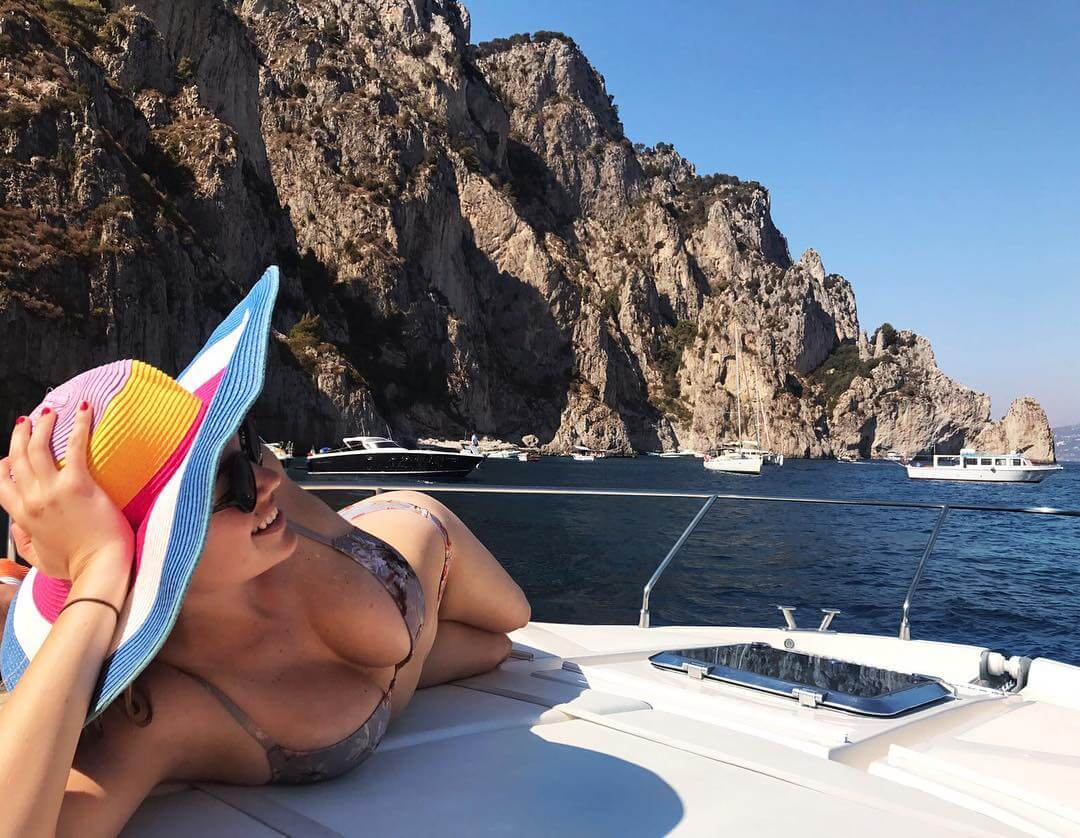 kate upton on the boat