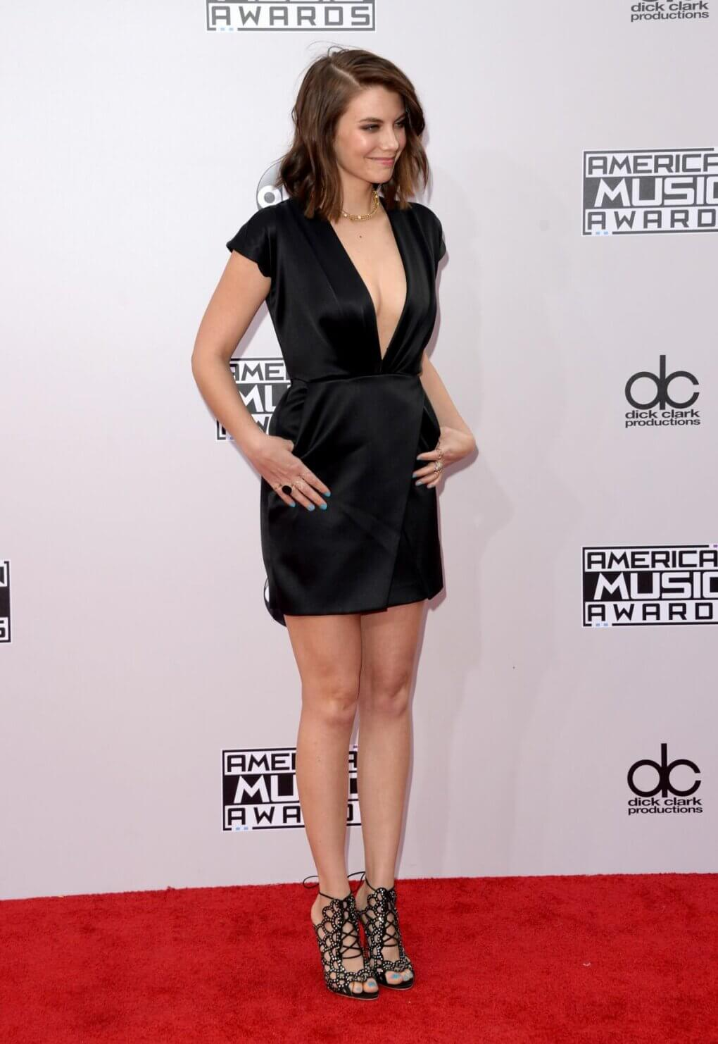 lauren cohan hot legs