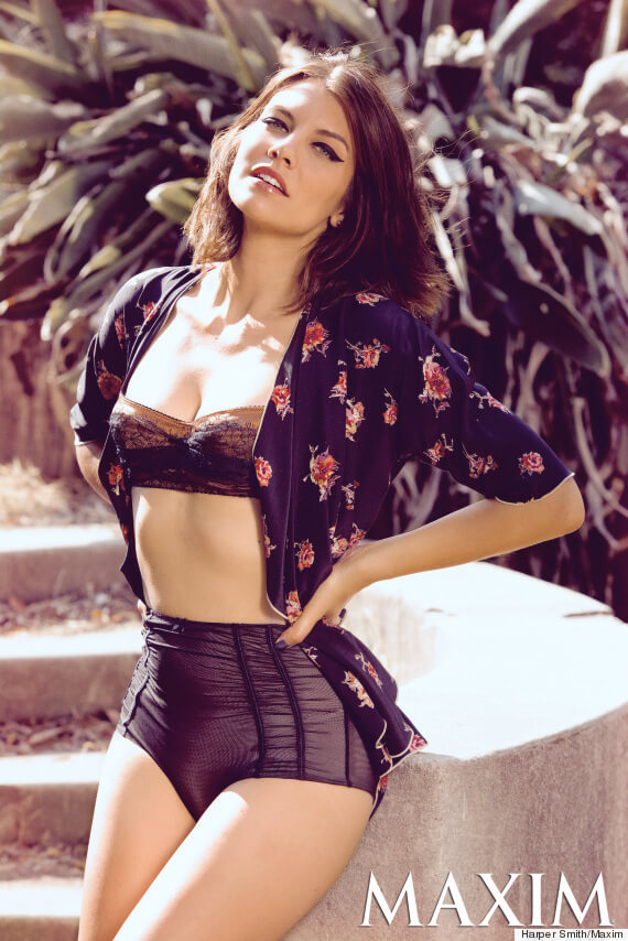 lauren cohan hot look photo
