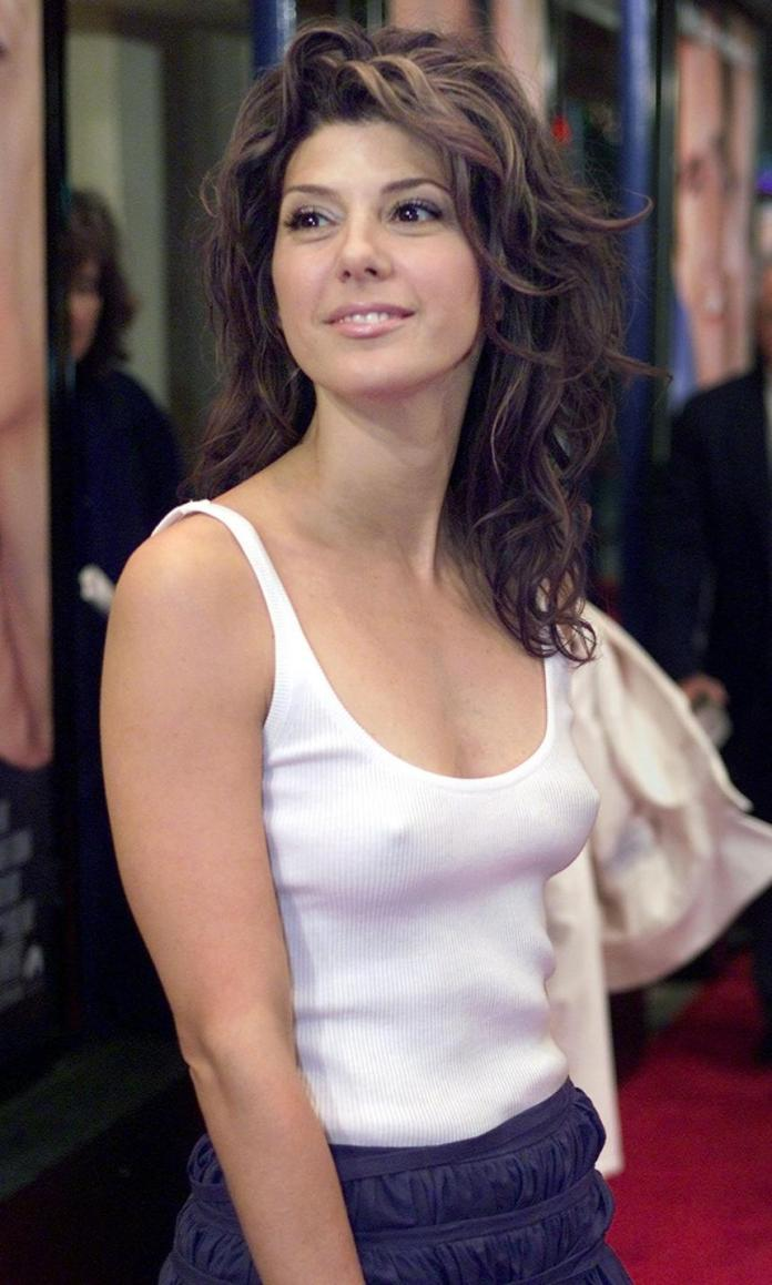 marisa tomei hot busty pic