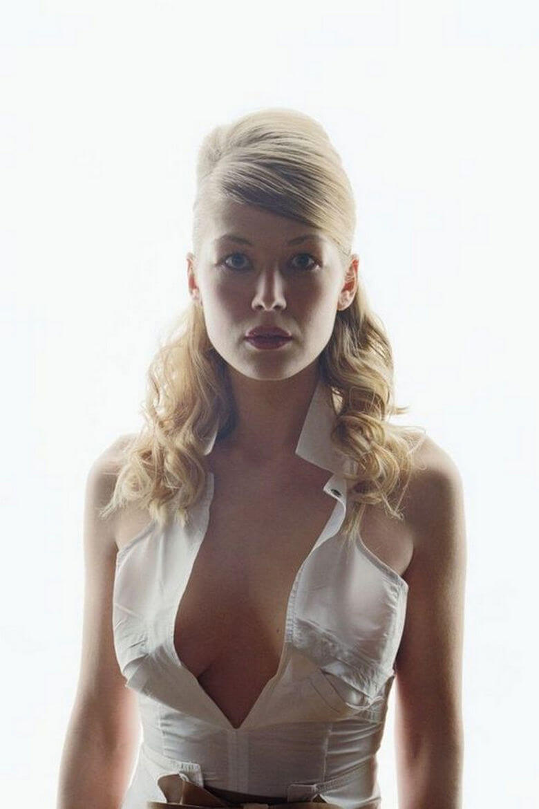 rosamund pike sexy cleavage