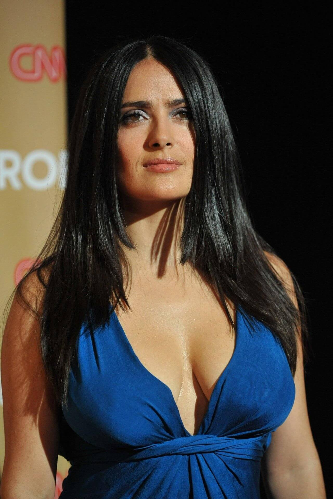 salma hayek cleavage pictures