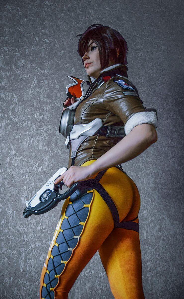 tracer big booty pics