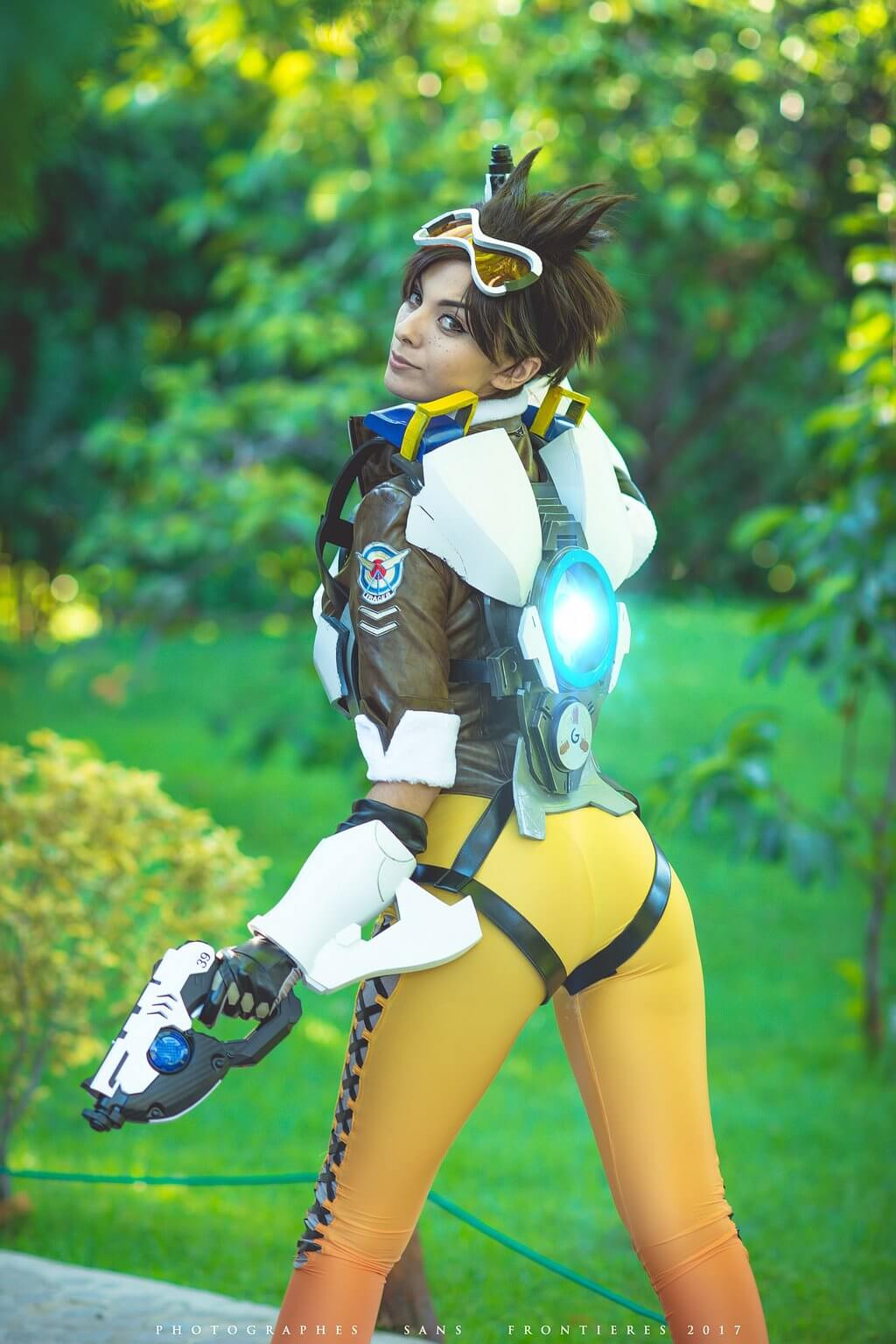 tracer booty01