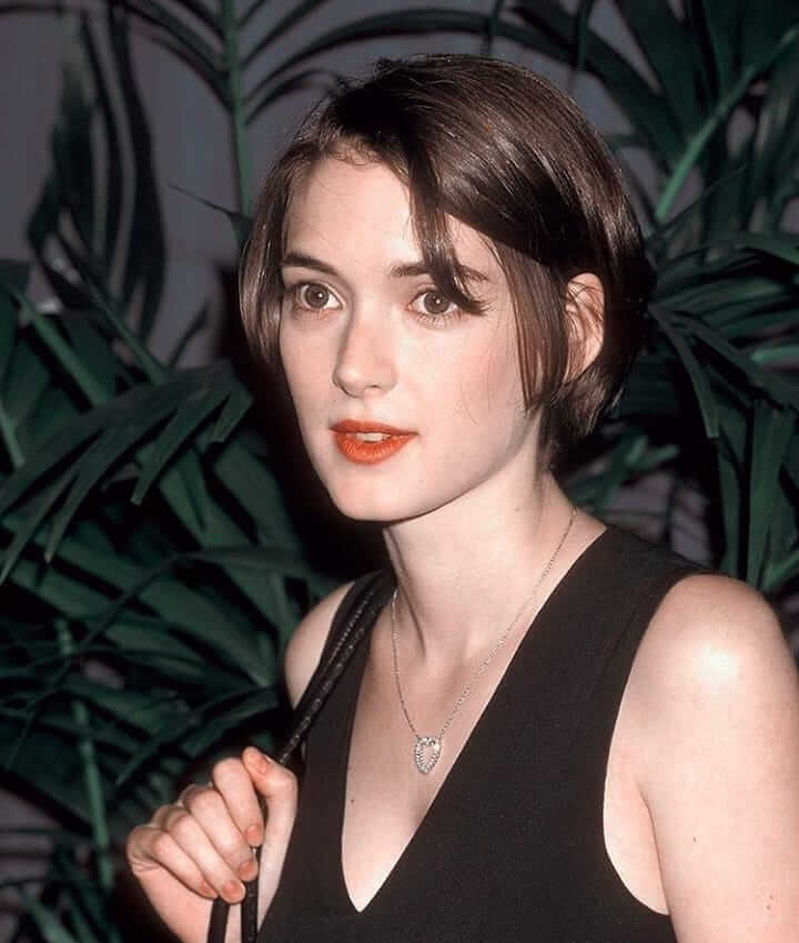 winona ryder red lips