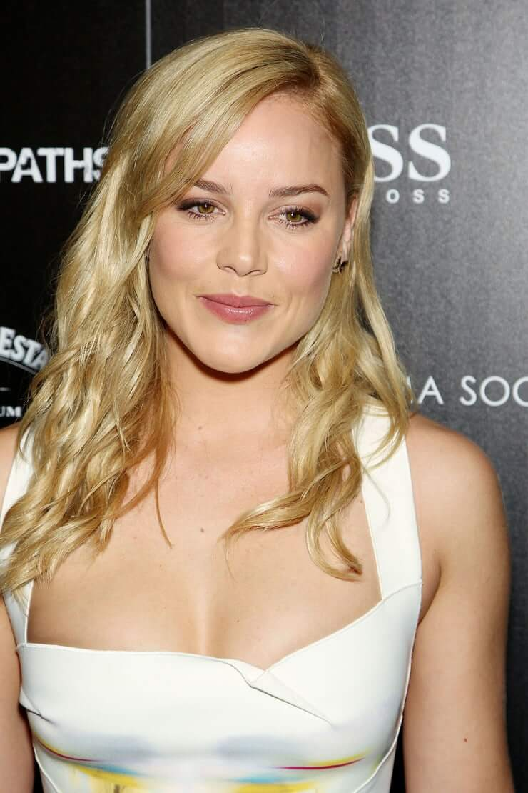 Abbie Cornish sexy boobs pictures (1)