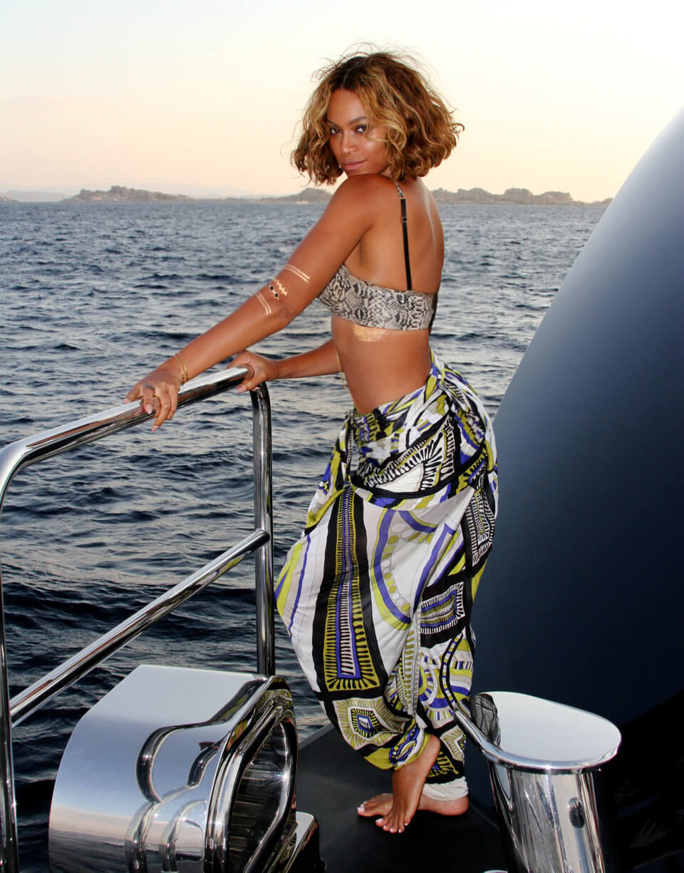 Beyonce awesome butt pic (2)
