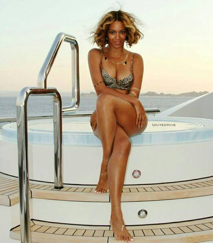 Beyonce awesome legs