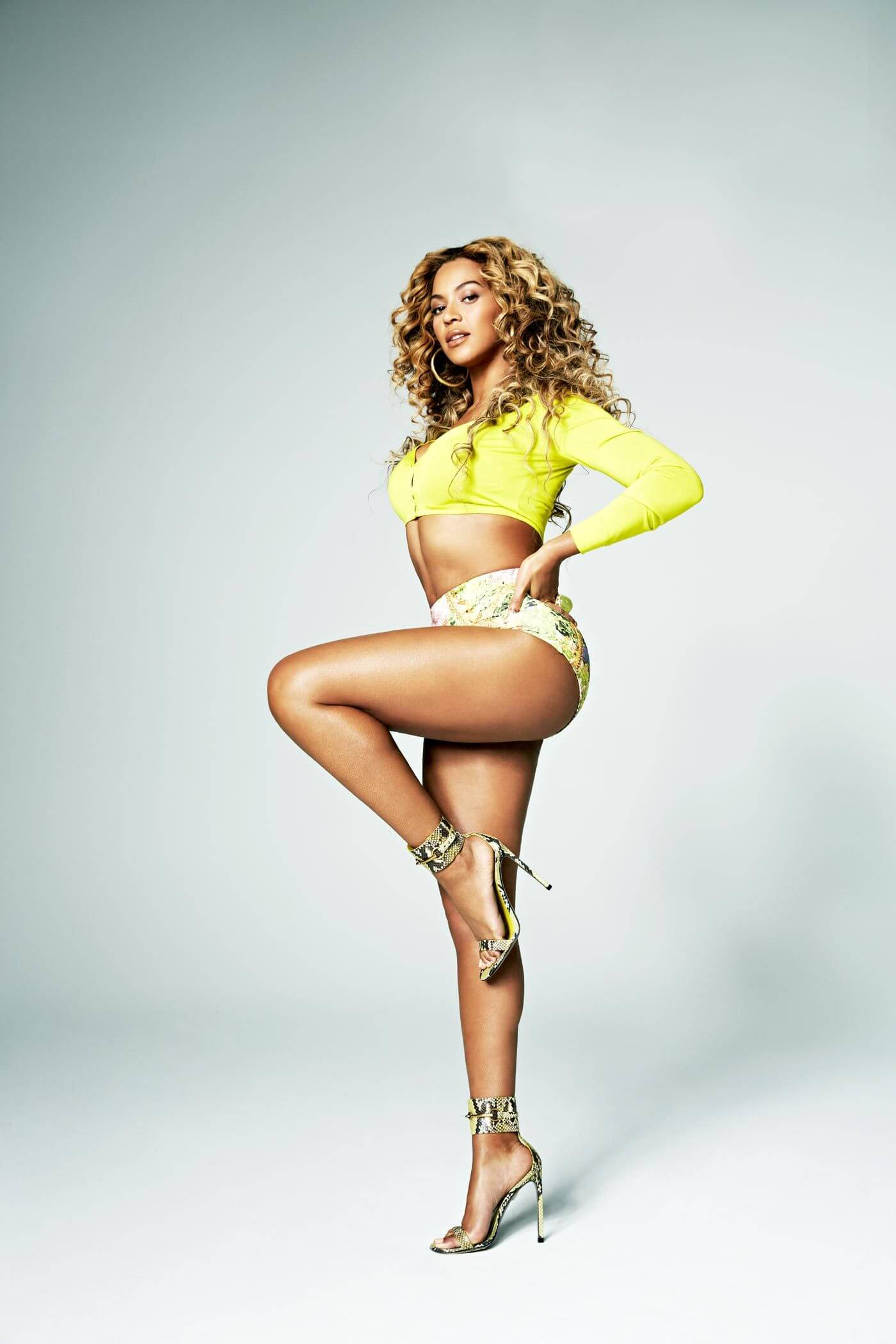 Beyonce awesome thighs pic