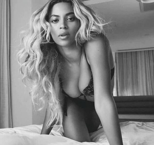 Beyonce sexy cleavage