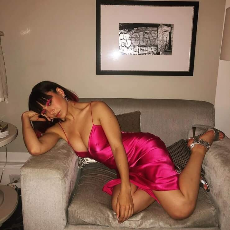 Charli XCX hot look pictures (2)
