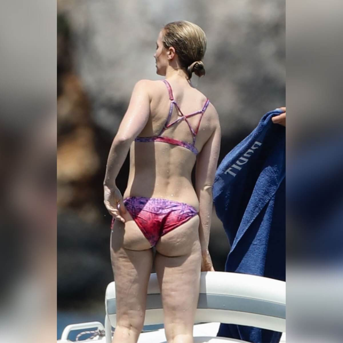 EMILY BLUNT ass hot pic