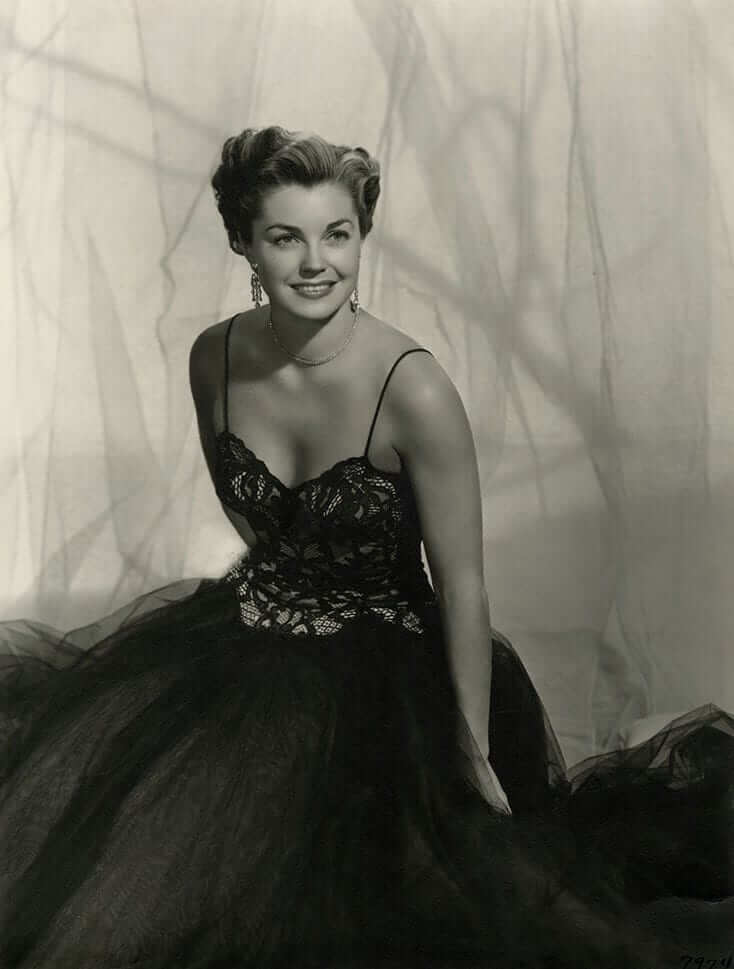 Esther Williams hot cleavage pics (7)