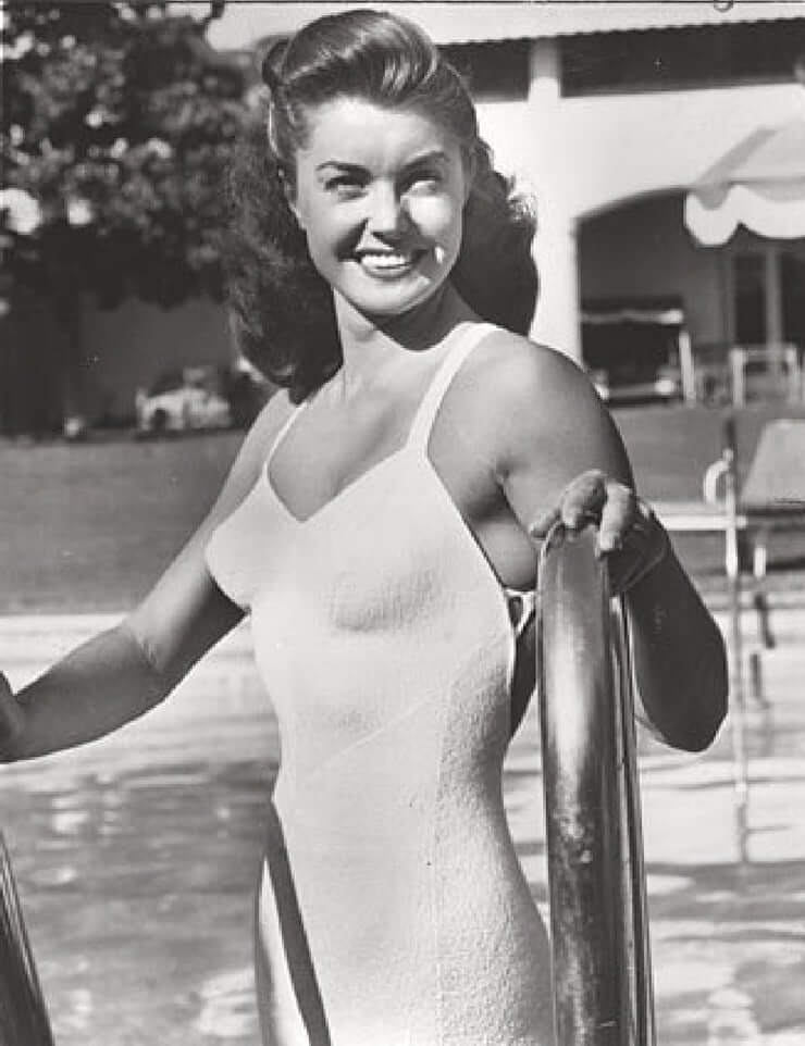 Esther Williams hot cleavage pics (8)