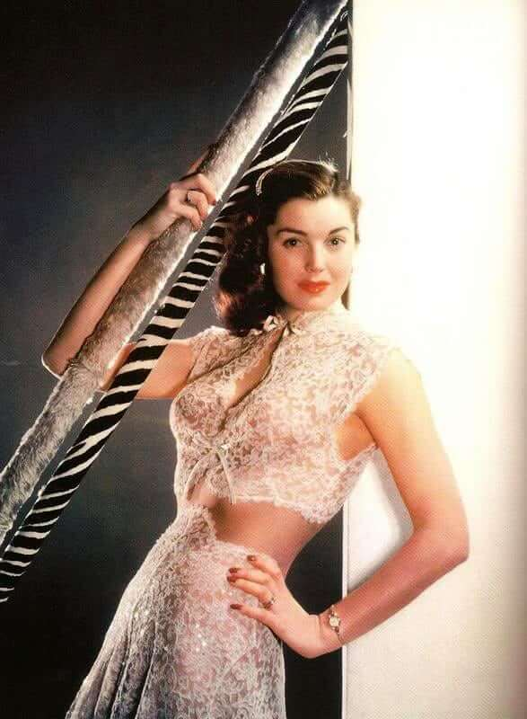 Esther Williams hot look pictures (1)