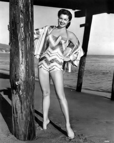 Esther Williams hot thigh pictures (7)