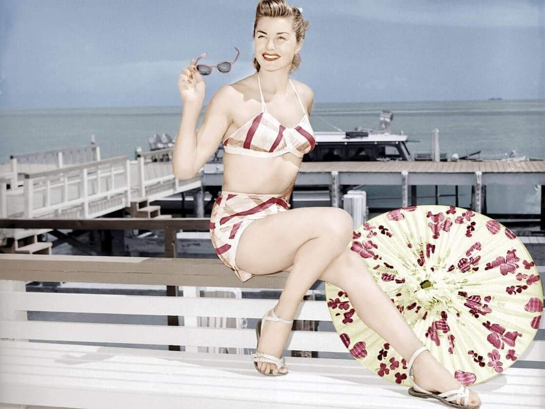 Esther Williams sexy look pic (1)
