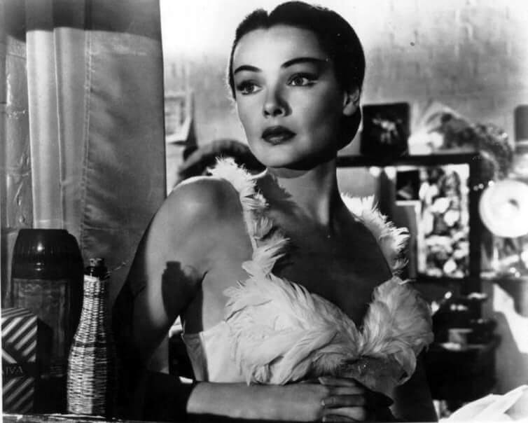 Gene Tierney hot boobs pictures (8)