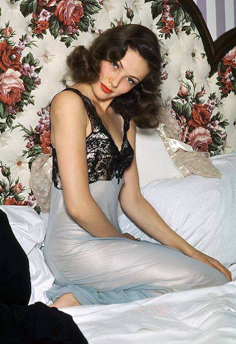 Gene Tierney hot looks pic (3)