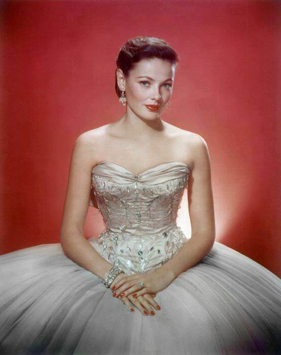 Gene Tierney sexy pictures (10)