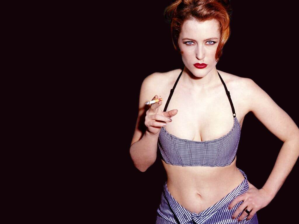 Gillian Anderson hot bikiny pictures (2)