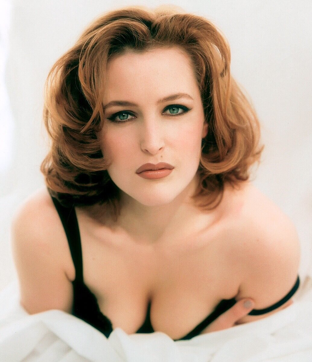 Gillian Anderson sexy bikiny pictures (2)
