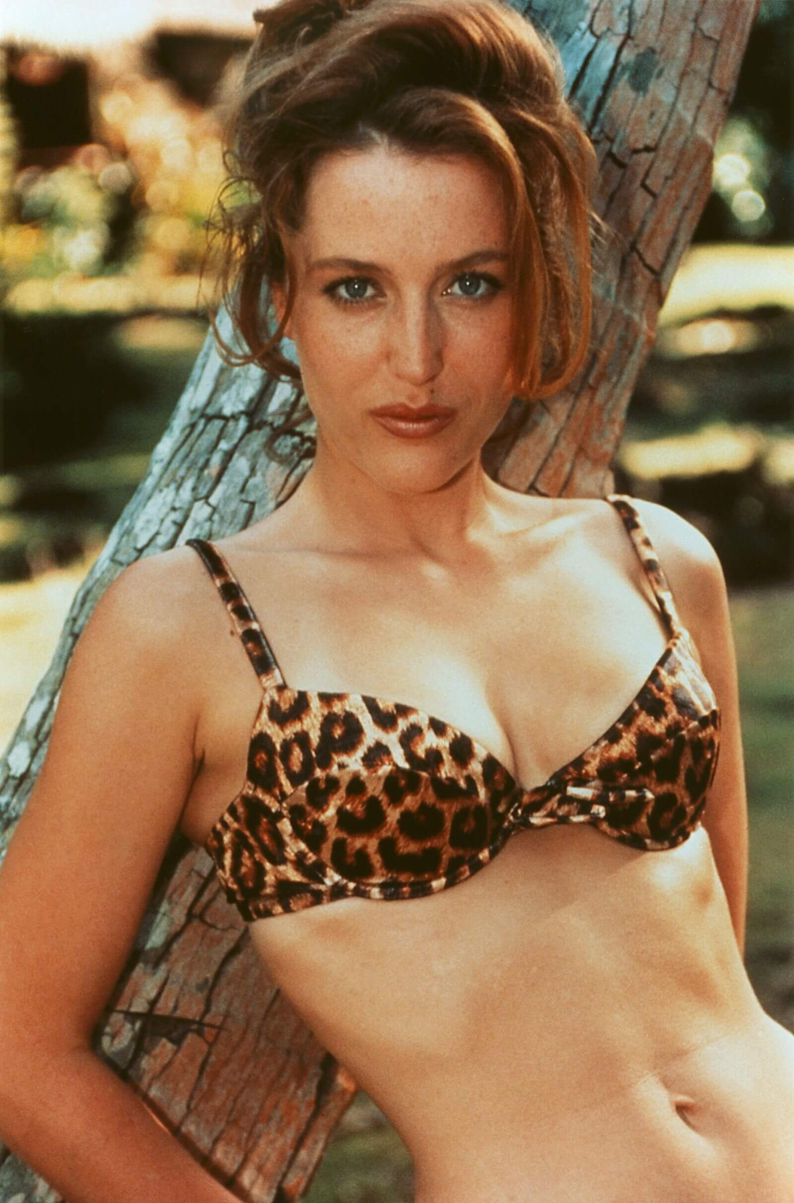 Gillian Anderson sexy bikiny pictures (3)