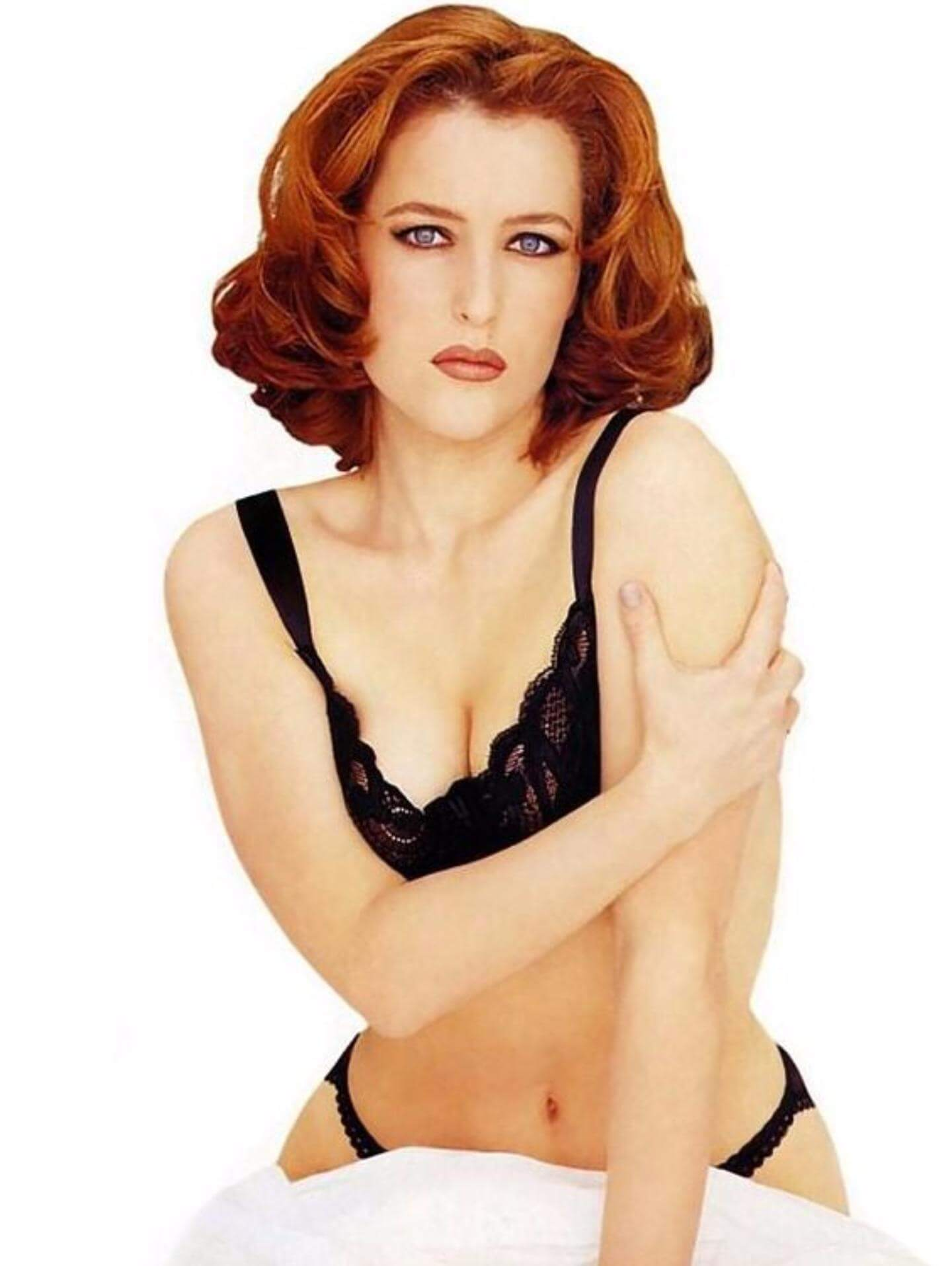 Gillian Anderson sexy bikiny pictures