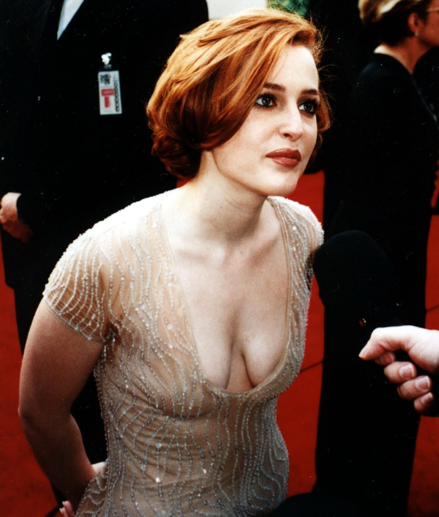 60+ Sexy Gillian Anderson Boobs Pictures Reveal Her