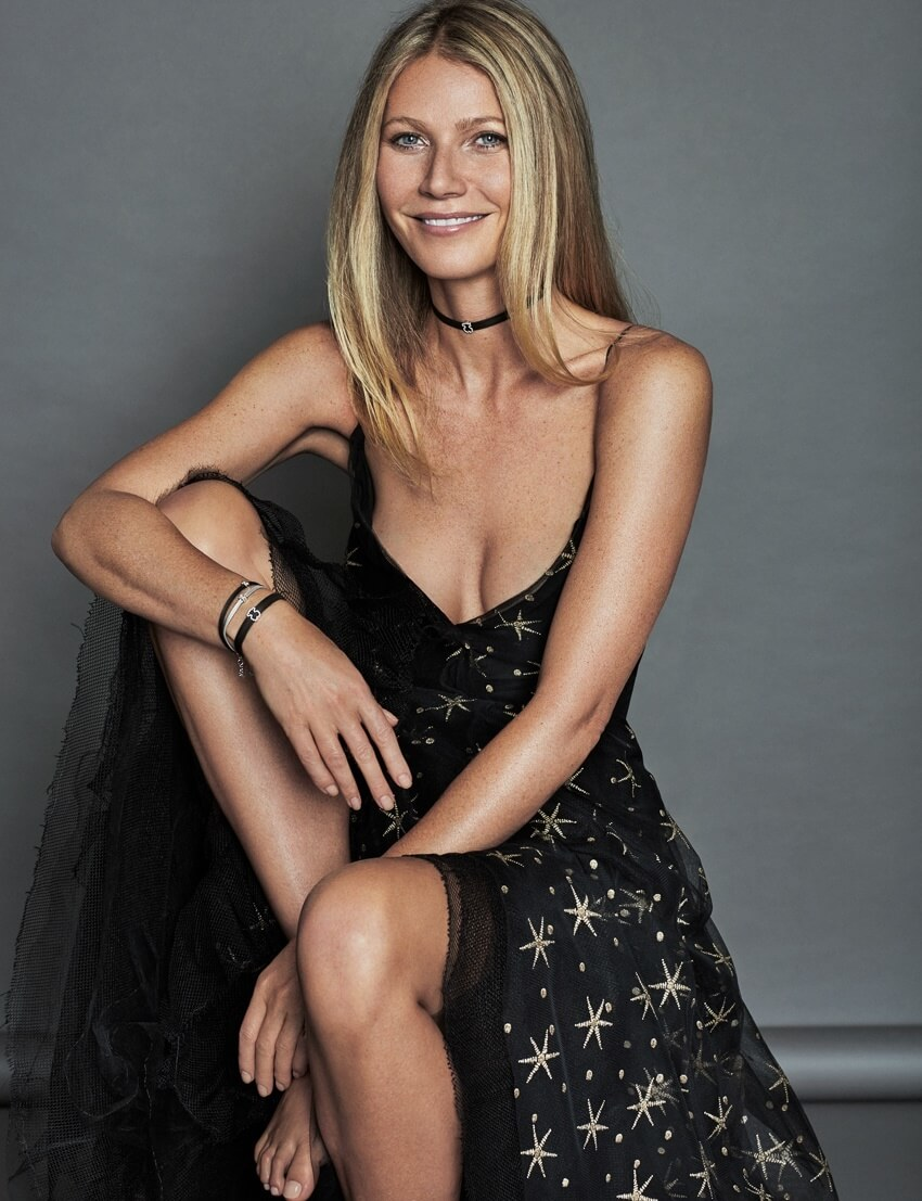 Gwyneth Paltrow sexy cleavage pictures