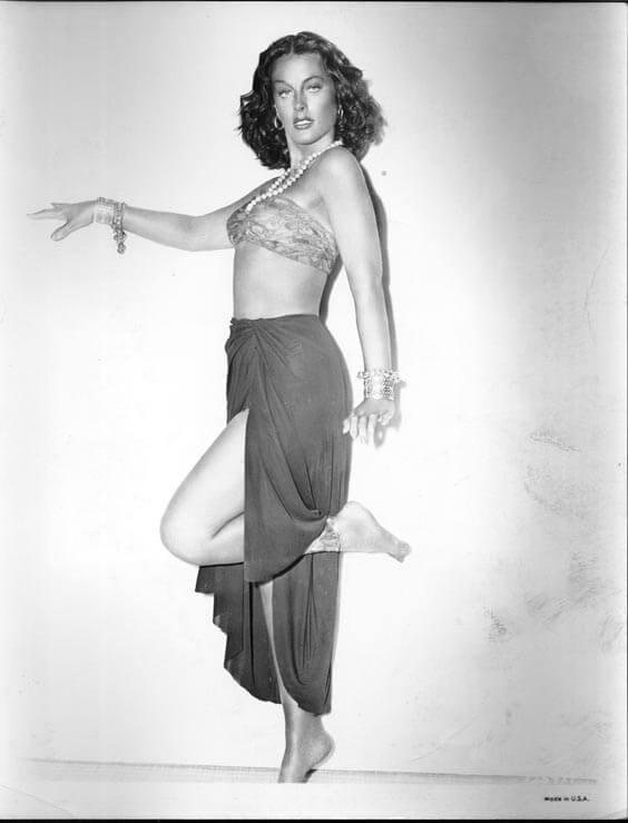 Hedy Lamarr hot busty pictures