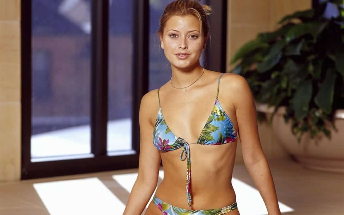 Holly Valance bikini pictures (1)