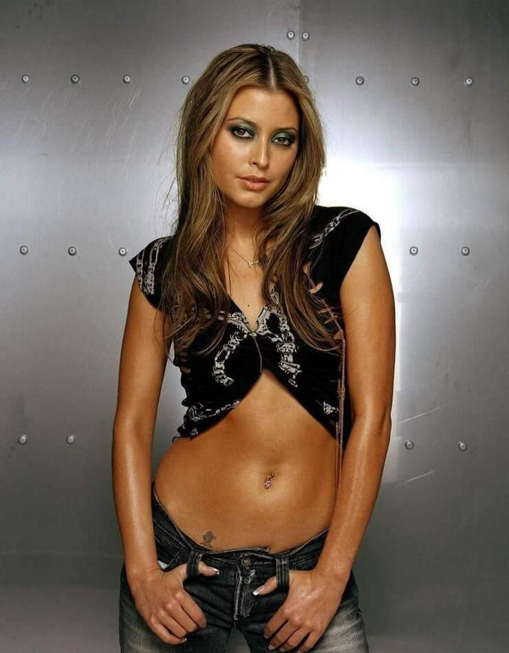 Holly Valance hot cleavage pics (2)