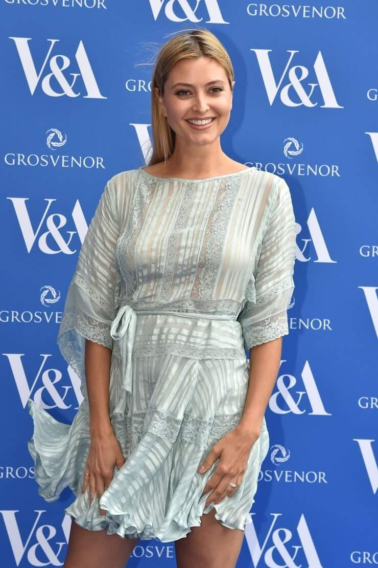 Holly Valance hot pictures (1)