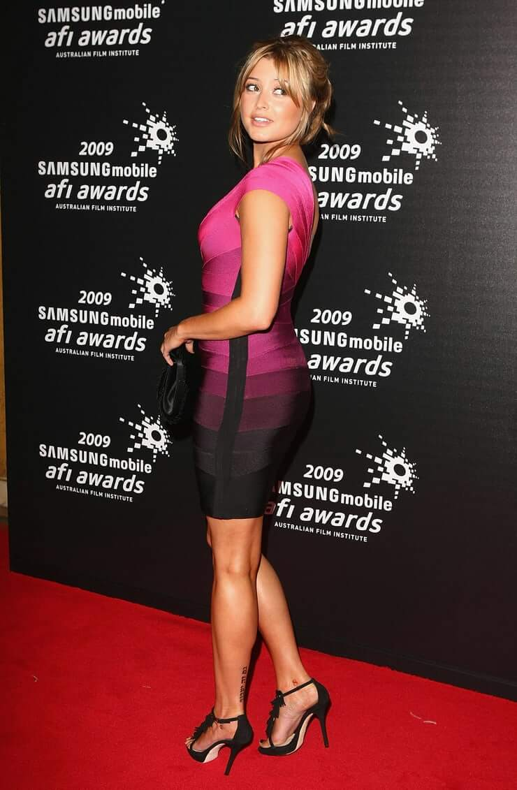 Holly Valance hot pictures (3)