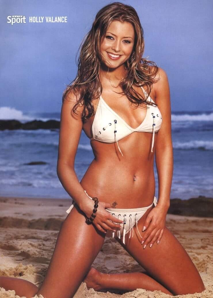 Holly Valance sexy bikini pictures (10)