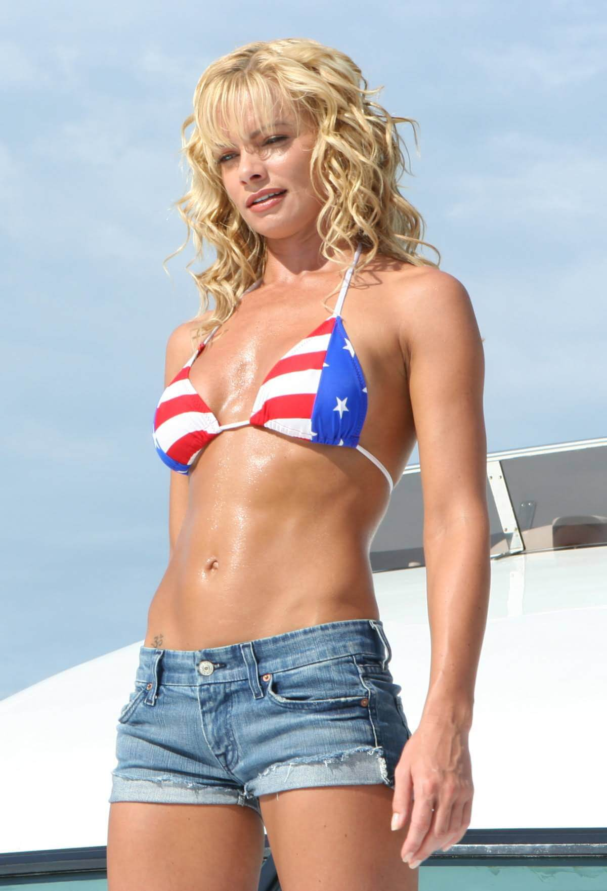 49 Hottest Jaime Pressly Bikini Pictures Get You Addicted -3996