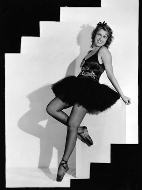 Jeanette MacDonald hot pictures (1)