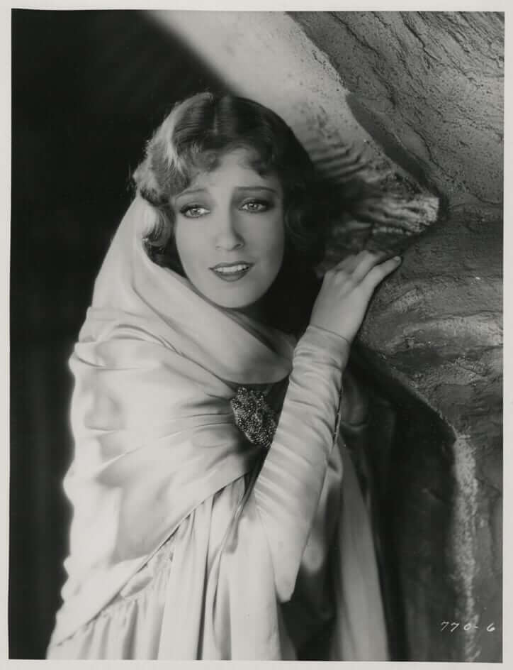 Jeanette MacDonald lovely photos (1)