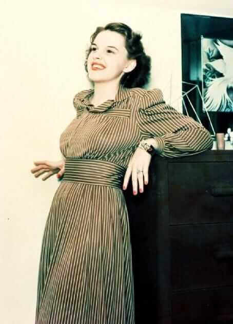 49 Hot Pictures Of Judy Garland Which Will Make You Want -4831