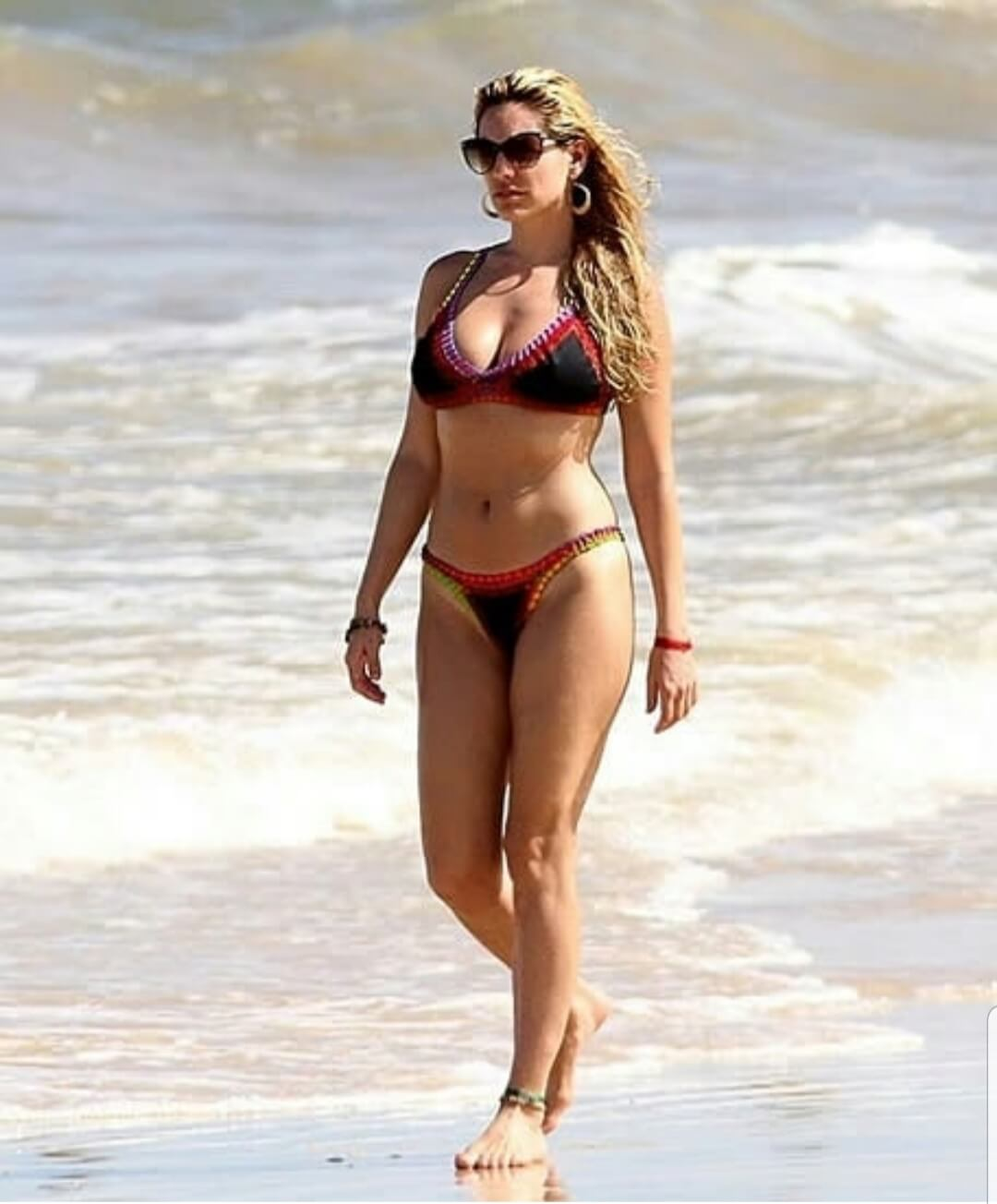 Kelly Brook awesome photo